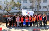 枣庄新华保险公益志愿者开展植树节活动