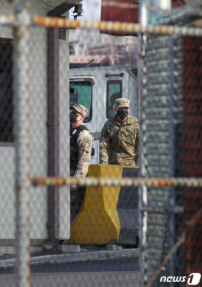 韩国一教会78人确诊 两公里外美军基地紧急封锁