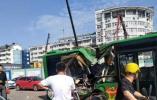 北仑轨道交通工地塔吊砸落致公交车体受损 1人受轻微伤