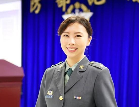 台军再曝丑闻:女军官与同事通奸被当场捉奸(图)