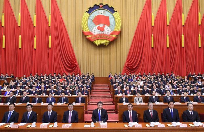 3月3日,中国人民政治协商会议第十三届全国委员会第一次会议在北京人民大会堂开幕。这是习近平、李克强、张德江、俞正声、张高丽、栗战书、王沪宁、赵乐际、韩正在主席台就座。
