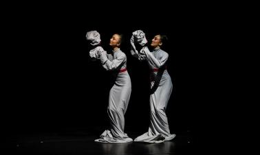 Young Chinese choreographers' new dances blend tradition with bold creativity