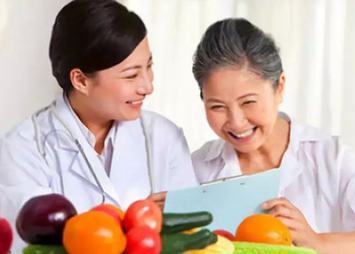 湖南:鼓勵三級醫療機構至少配兩名營養師