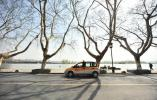 """插上10秒就充电 杭州今年的充电桩能""""认识""""你的车了"""