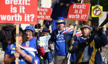 Opinion: 'Rebel Brexiters' hold Britain to ransom as EU talks stall