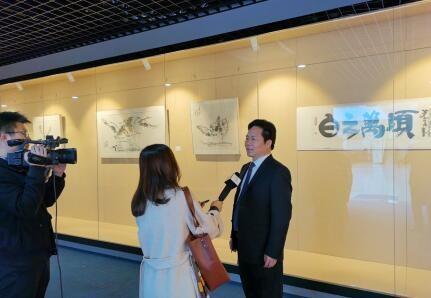 董志龙出席清华大学十六教授书画展