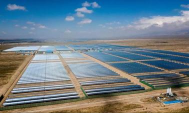 Magnified sunlight: China boots up its first solar thermal power plant