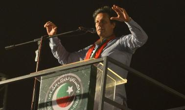 Khan targets corruption in first TV address as Pakistan PM