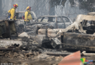 美国加州多起山火已致31人遇难 民众带领家畜转移