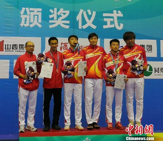 华裔运动员中国青运会首摘奖牌