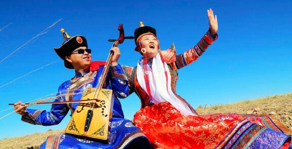 蒙古族乐器和服饰
